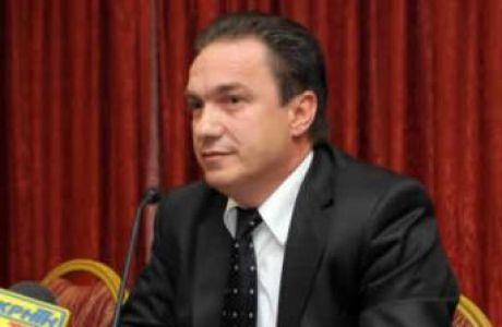 """Βατσινάς: """"Κουκουλοφόροι από την Αθήνα έκαναν τα επεισόδια"""", ανακοίνωση των οργανωμένων"""