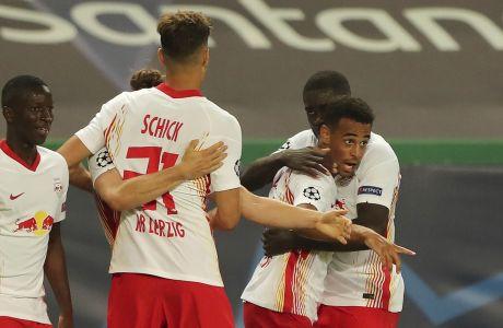 Ο Τάιλερ Άνταμ της Λειψίας πανηγυρίζει γκολ που σημείωσε με αντίπαλο την Ατλέτικο στα προημιτελικά του Champions League 2019-2020 στο 'Ζοζέ Αλβαλάδες', Λισαβόνα | Πέμπτη 13 Αυγούστου 2020