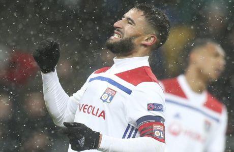 Ο Ναμπίλ Φεκίρ της Λιόν αντιδρά σε αναμέτρηση με τη Σαχτάρ για τη φάση των ομίλων του Champions League 2018-2019 στο Ολυμπιακό Στάδιο του Κιέβου, Τετάρτη 12 Δεκεμβρίου 2018