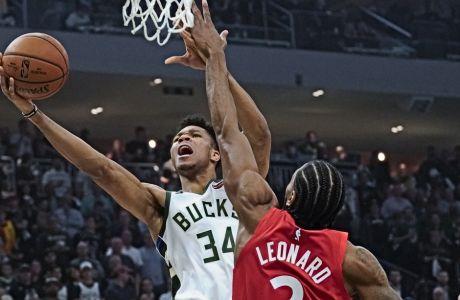 Oι Αντετοκούνμπο και Λέοναρντ επελέγησαν από το πάνελ του ESPN ως οι πιθανότεροι να αναδειχθούν καλύτεροι παίκτες της νέας σεζόν.