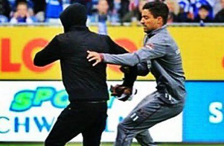 Οι ποδοσφαιριστές πήραν στο κυνήγι τους οργανωμένους οπαδούς!