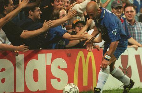 Ο Τζιανλούκα Βιάλι της Τσέλσι πανηγυρίζει γκολ κόντρα στη Μίντλεσμπρο για την Premier League 1996-1997 στο 'Στάμφορντ Μπριτζ', Λονδίνο, Τετάρτη 21 Αυγούστου 1996