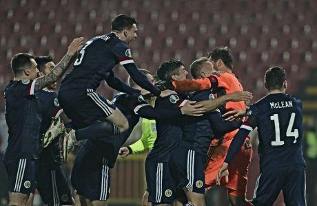 O Nτέιβιντ Μάρσαλ μόλις έχει 'διώξει' την εκτέλεση πέναλτι του Αλεξάνταρ Μίτροβιτς, με τη Σκωτία να επιστρέφει σε Euro μετά 10 απουσίες.