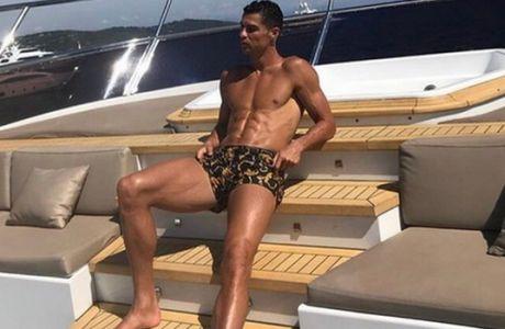 """Όταν οι άλλοι παίζουν Nations League, ο Ρονάλντο """"ρουφά"""" καλοκαίρι!"""