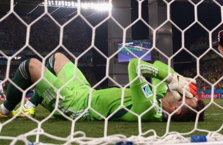 Τραγικός Ακινφέεφ, 1-0 η Κορέα