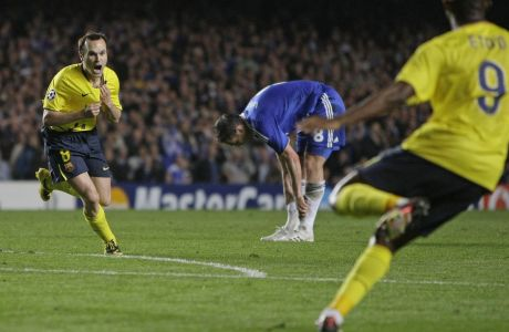 Ο Αντρές Ινιέστα της Μπαρτσελόνα πανηγυρίζει το γκολ που σημείωσε κόντρα στην Τσέλσι στα ημιτελικά του Champions League 2008-2009 στο 'Στάμφορντ Μπριτζ', Λονδίνο, Τετάρτη 6 Μαΐου 2009