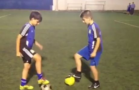 ΑΠΙΣΤΕΥΤΑ ΚΟΛΠΑ: Ελληνάκια μαθαίνουν στους Άγγλους ποδόσφαιρο (VIDEO)
