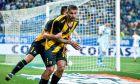 Ο Μάρκο Λιβάγια της ΑΕΚ πανηγυρίζει γκολ που σημείωσε κόντρα στην Κράιοβα για τον 1ο αγώνα του 2ου προκριματικού γύρου του Europa League 2019-2020 στην Κράιοβα, Πέμπτη 8 Αυγούστου 2019