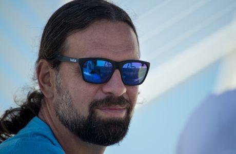 Φραγκίσκος Αλβέρτης στο Contra.gr: Είναι ακόμη ο μεγάλος αρχηγός