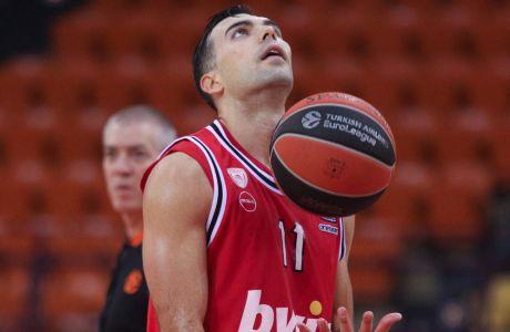 Ο Κώστας Σλούκας είχε 18 πόντους και 7 ασίστ, ωστόσο ο Ολυμπιακός ηττήθηκε με σκορ 85-96 από τη Βαλένθια στο ΣΕΦ για την 14η αγ. της Euroleague   16/12/2020 (ΦΩΤΟΓΡΑΦΙΑ: ΜΑΡΚΟΣ ΧΟΥΖΟΥΡΗΣ / EUROKINISSI)