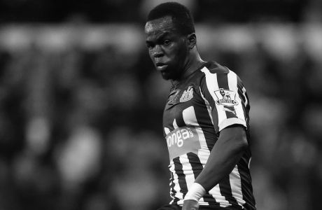 Newcastle United's Cheick Tiote during their English Premier League soccer match between Newcastle United and Everton at St James' Park, Newcastle, England, Sunday, Dec. 28, 2014. (AP Photo/Scott Heppell)