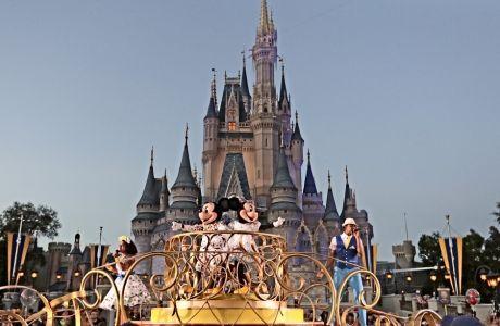 Το όνειρο κάθε παιδιού που ζει σε αυτόν τον πλανήτη, η Disney World προκρίνεται ως λύση για να αναλάβει το τελείωμα της σεζόν 2019-20 του ΝΒΑ, γιατί διαθέτει την συντριπτική πλειοψηφία εξ όσων χρειάζονται.