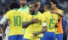 Ο Ντάνι Άλβες πανηγυρίζει έξαλλα την πρόκριση της Βραζιλίας στον τελικό του Copa America