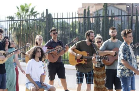 Summer Essentials: Καλή μουσική, ούζο και ένας ιδανικός διαγωνισμός
