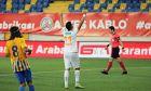 Ο Τάσος Μπακασέτας πανηγυρίζει την επίτευξη ενός γκολ ακόμη με τη φανέλα της Αλάνιασπορ