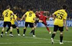 Bayern midfielder Javi Martinez, center right, scores his side's opening goal during a Group E Champions League soccer match between AEK Athens and Bayern Munich at the Olympic Stadium in Athens, Tuesday, Oct. 23, 2018. (AP Photo/Thanassis Stavrakis)