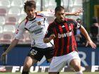 Ο Τζενάρο Γκατούζο κοντρολάρει την μπάλα σε αγώνα μεταξύ Μίλαν και Μεσίνα