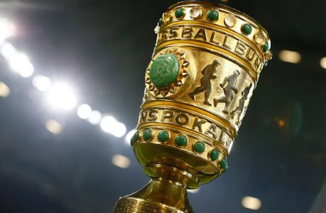 DFB Pokal trophy, MARCH 3, 2020 - Football / Soccer : Germany DFB Pokal Quarter finals match between FC Schalke 04 0-1 FC Bayern Munich at the VELTINS-Arena in Gelsenkirchen, Germany. Noxthirdxpartyxsales 97555984st