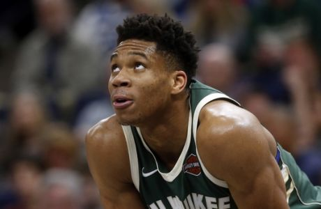 Milwaukee Bucks' Giannis Antetokounmpo of Greece plays against the Minnesota Timberwolves in the first half of an NBA basketball game Thursday, Feb. 1, 2018, in Minneapolis. (AP Photo/Jim Mone)