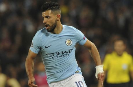 Manchester City's Sergio Aguero takes the ball forward during the Champions League Group F soccer match between Manchester City and Shakhtar Donetsk at Etihad stadium, Manchester, England, Tuesday, Sept. 26, 2017. (AP Photo/Rui Vieira)