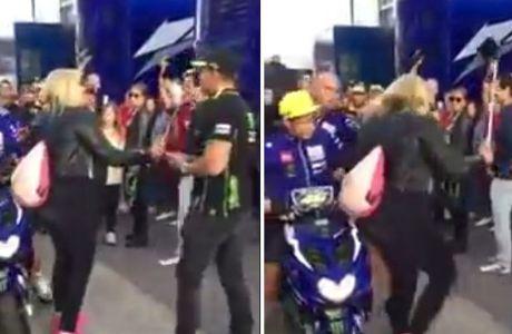 Χτύπησε θεατή με τη μηχανή ο Valentino Rossi!