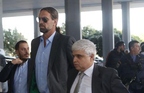 Φραγκίσκος Αλβέρτης και Μάνος Παπαδόπουλος. Η αποχώρησή τους προκαλεί κραδασμούς