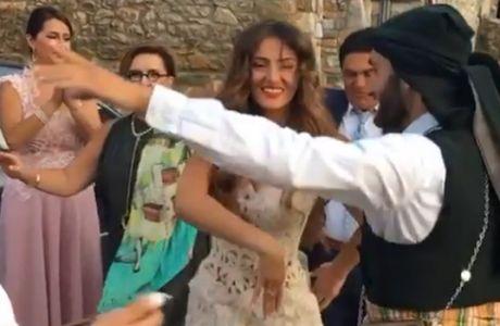 VIDEO: Ο παραδοσιακός χορός της όμορφης ανιψιάς του Ιβάν Σαββίδη