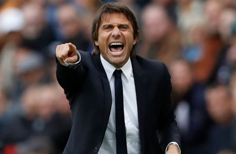 Britain Soccer Football - Hull City v Chelsea - Premier League - The Kingston Communications Stadium - 1/10/16 Chelsea manager Antonio Conte Action Images via Reuters / Carl Recine Livepic EDITORIAL USE ONLY.