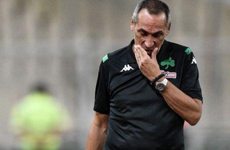Ο προπονητής του Παναθηναϊκού, Γιώργος Δώνης, απογοητευμένος στο πλαίσιο της ήττας από τον ΟΦΗ για τη Super League 2019-2020 στο Ολυμπιακό Στάδιο, Σάββατο 31 Αυγούστου 2019