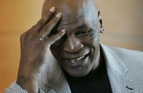 H σοκαριστική πρόβλεψη του Tyson για το McGregor vs. Mayweather