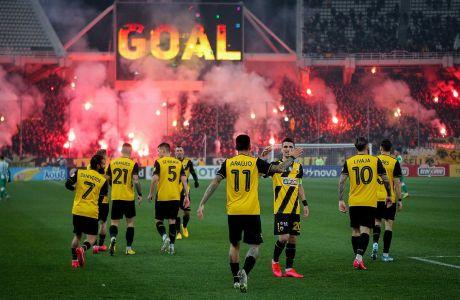 Παίκτες της ΑΕΚ πανηγυρίζουν γκολ κόντρα στον Παναθηναϊκό για τη Super League 1 2019-2020 στο Ολυμπιακό Στάδιο, Κυριακή 9 Φεβρουαρίου 2020