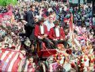 Άντιτς και Χιλ στην άμαξα, επικεφαλής της πομπής που γιόρτασε το νταμπλ του 1996 στους δρόμους της Μαδρίτης. Ο Σέρβος κρατάει στα χέρια του το τρόπαιο του πρωταθλήματος.