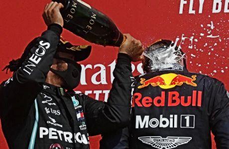O Mαξ Φερστάπεν χρησιμοποίησε άλλα ελαστικά, από αυτά που προτίμησαν οι Mercedes και ο αγώνας του δικαιώθηκε -αφού προηγουμένως αρνήθηκε να πάει στο γκαράζ, όταν του το ζήτησαν.