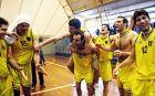 Οι παίκτες του Φαλήρου πανηγυρίζουν τη νίκη επί της Χαλκίδας και την άνοδο στην Α1 μπάσκετ