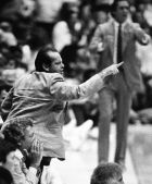 O Jack Nicholson υπήρξε από τους μόνιμους στις καλύτερες θέσεις του γηπέδου (AP Photo/Alvin Chung)