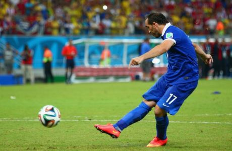 RECIFE, BRAZIL - JUNE 29:  Theofanis Gekas of Greece takes a penalty kick during a shootout during the 2014 FIFA World Cup Brazil Round of 16 match between Costa Rica and Greece at Arena Pernambuco on June 29, 2014 in Recife, Brazil.  (Photo by Ian Walton/Getty Images)