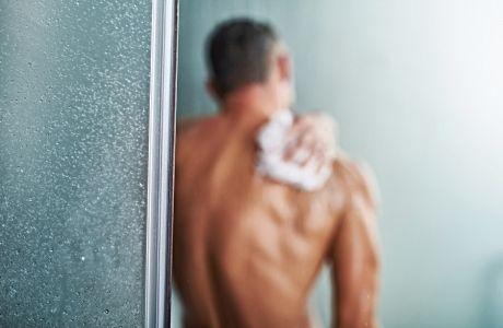 Πότε πρέπει να κάνεις μπάνιο μετά το γυμναστήριο