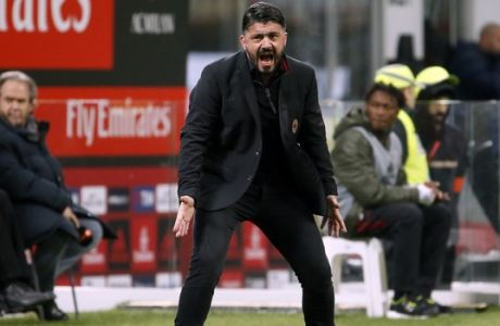 AC Milan coach Gennaro Gattuso shouts during the Italian Cup soccer match between AC Milan and Hellas Verona, at the Milan San Siro stadium, Italy, Wednesday, Dec. 13, 2017. (AP Photo/Antonio Calanni)