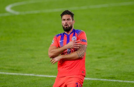 Ο Ολιβιέ Ζιρού της Τσέλσι πανηγυρίζει γκολ που σημείωσε κόντρα στη Σεβίλλη για τη φάση των ομίλων του Champions League 2020-2021 στο 'Ραμόν Σάντσεθ Πιθχουάν', Σεβίλλη | Τετάρτη 2 Δεκεμβρίου 2020