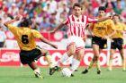 Ο Όλεγκ Προτάσοφ του Ολυμπιακού σε στιγμιότυπο της αναμέτρησης με την ΑΕΚ για την Α' Εθνική 1991-1992 στο 'Γεώργιος Καραϊσκάκης', Κυριακή 1 Σεπτεμβρίου 1991