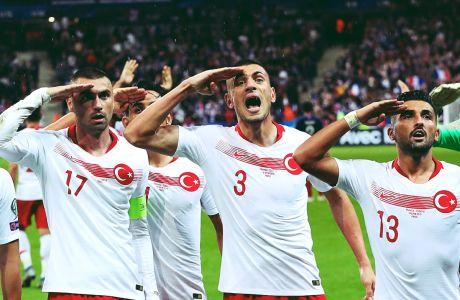Η ελληνική γραφειοκρατία λειτούργησε πιο γρήγορα από την UEFA για τους χαιρετισμούς Τούρκων