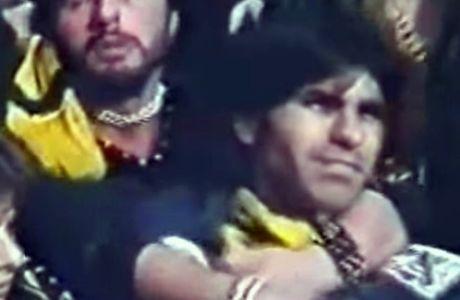 Όταν ο Μπέζος έπαιξε τον 'άρρωστο' χούλιγκαν της ΑΕΚ