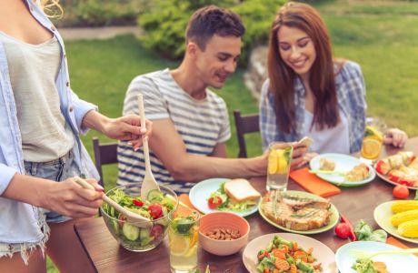 Οι καλύτερες σαλάτες που μπορείτε να καταναλώνετε όταν κάνετε δίαιτα