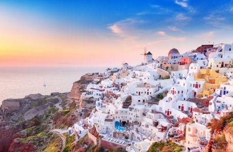Σαντορίνη: Τι να κάνετε στο (ίσως) πιο διάσημο νησί της Ελλάδας