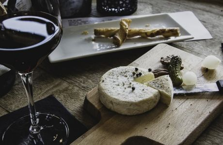 Κρασί και Τυρί: Το μυστικό της καλής ζωής έχει 2 γεύσεις και πολλούς συνδυασμούς