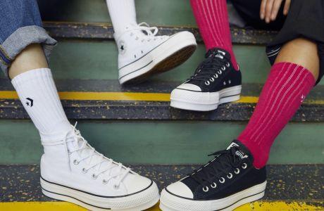 Η νέα τάση στα sneakers θα σε εξυψώσει