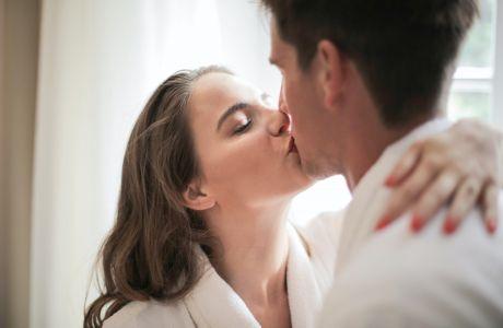 Toys για Ζευγάρια: 5+1 ερωτικά tips για να περάσετε και οι δυο καλά