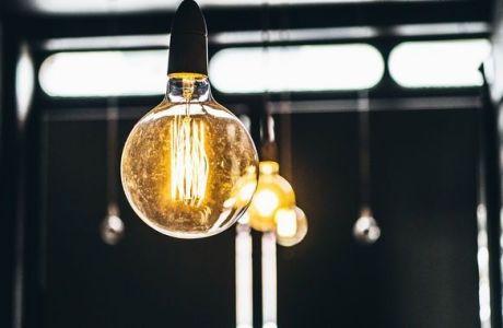 Ηλεκτρικό ρεύμα από Ανανεώσιμες Πηγές: O καταναλωτής μπορεί να γίνει «παραγωγός»