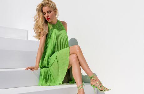 Η νέα καμπάνια ENVIE Shoes μας «ταξιδεύει» στο ελληνικό καλοκαίρι