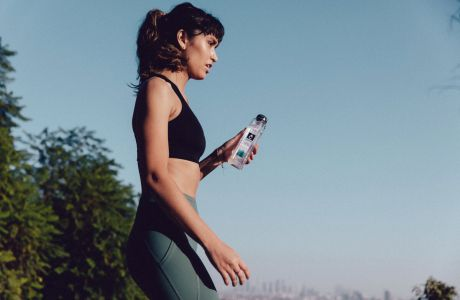 Αθλείσαι; Τι πρέπει να ξέρεις για το νερό που επιλέγεις να πίνεις